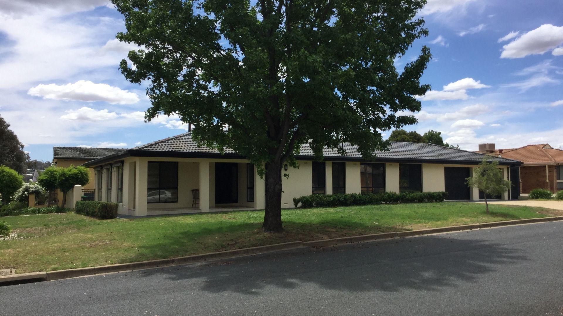 12 Eastlake Drive, Lake Albert NSW 2650, Image 1