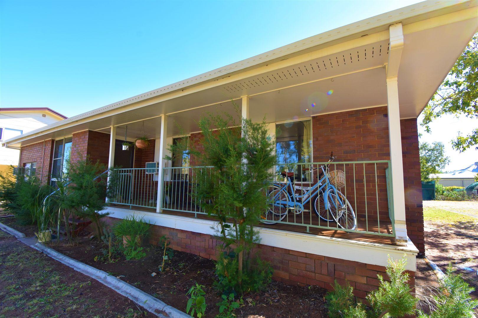 4 Gum Street, Barcaldine QLD 4725, Image 0