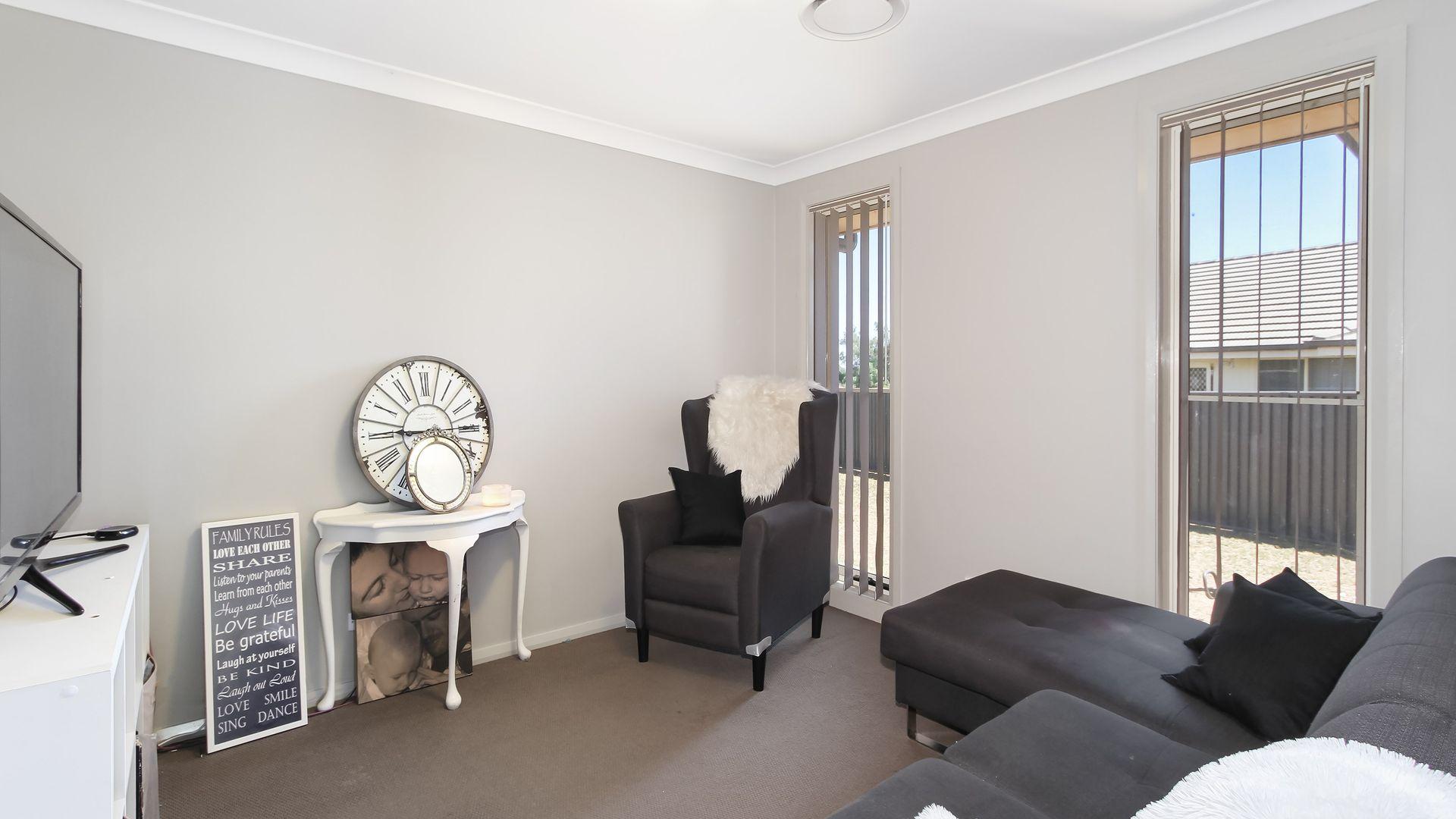 5 Regal Park Drive, Tamworth NSW 2340, Image 2