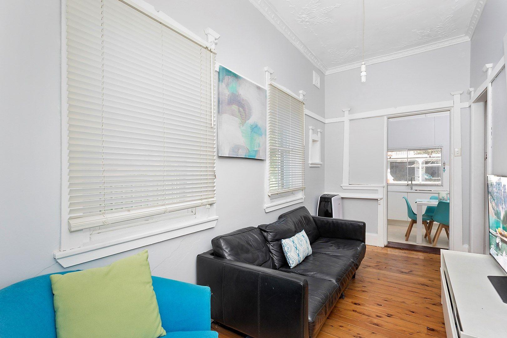 6 Planthurst Road, Carlton NSW 2218, Image 2