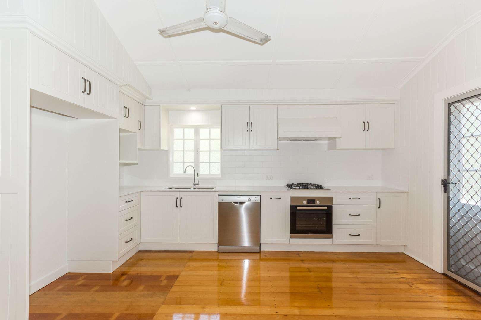 147 Harold Street, West End QLD 4810, Image 1