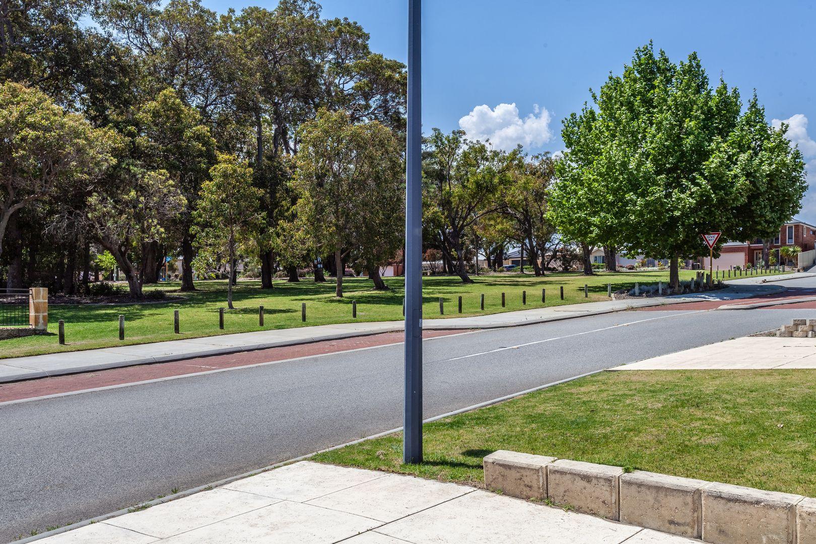 29 Bowmore Drive (Regent Waters), Wanneroo WA 6065, Image 2