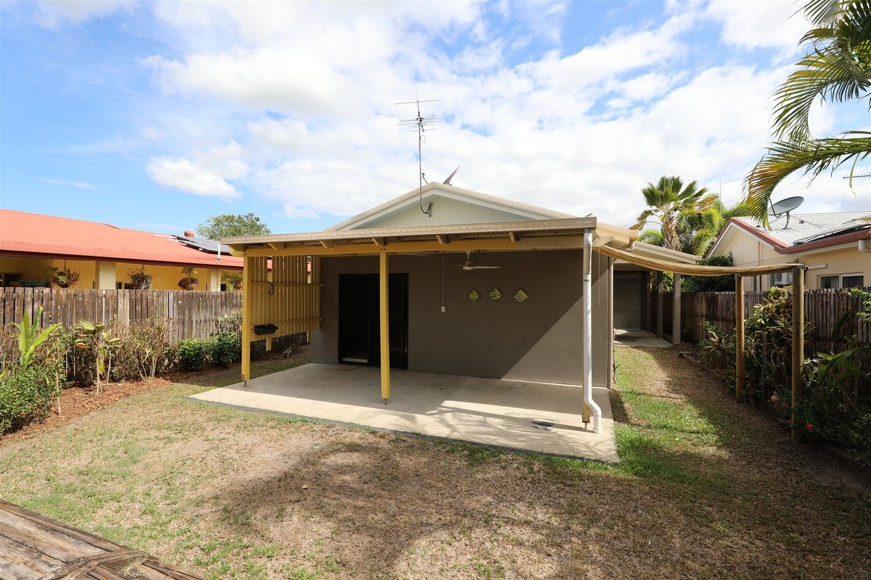 8 Ferngully Street, White Rock QLD 4868, Image 2