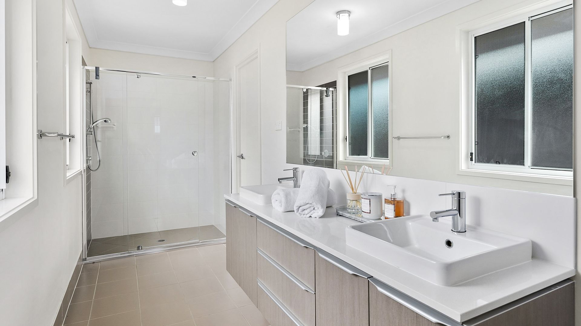 66 Kamarin Street, Manly West QLD 4179, Image 2