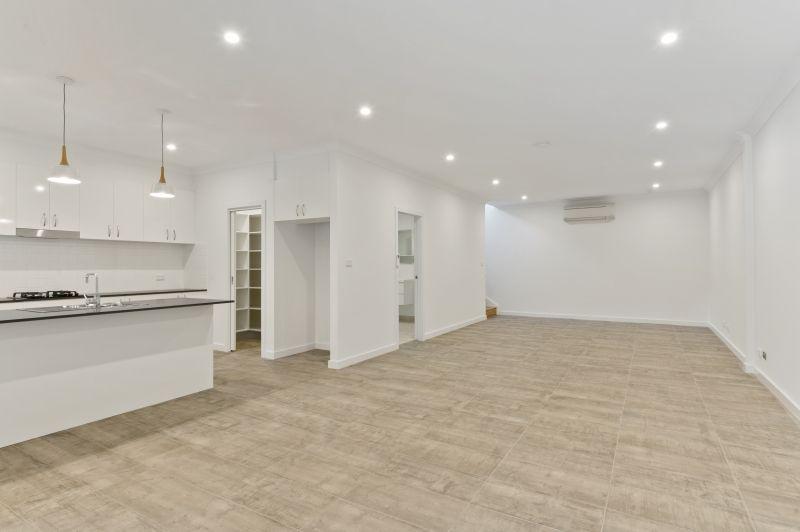 4 Aminya Place, Farmborough Heights NSW 2526, Image 2