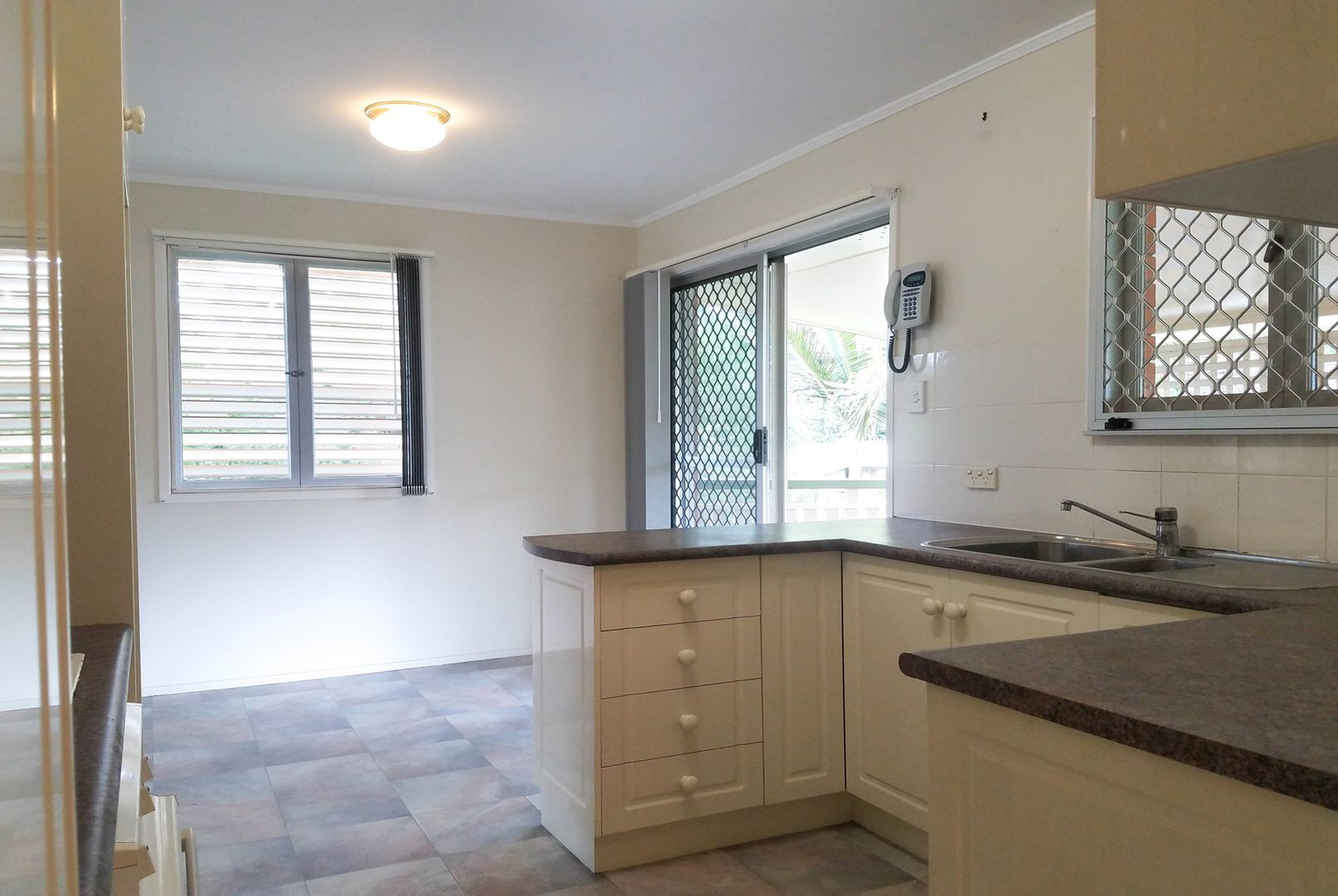 6 Coolinda Street, Sunnybank QLD 4109, Image 2
