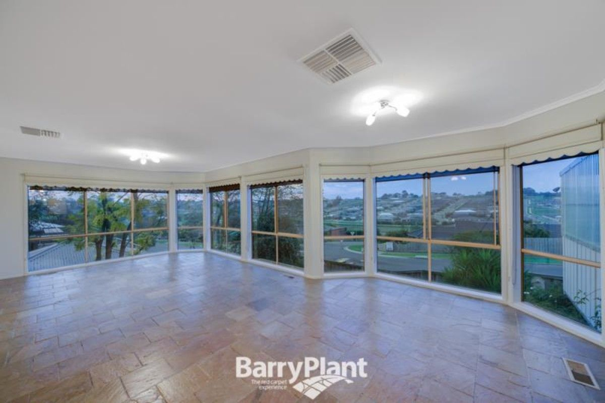 2 Outlook Drive, Drouin VIC 3818, Image 2