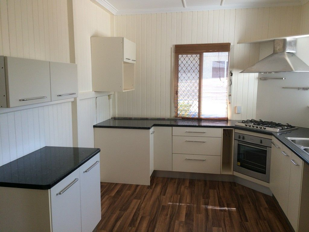 12 Goodwin Street, Currajong QLD 4812, Image 2