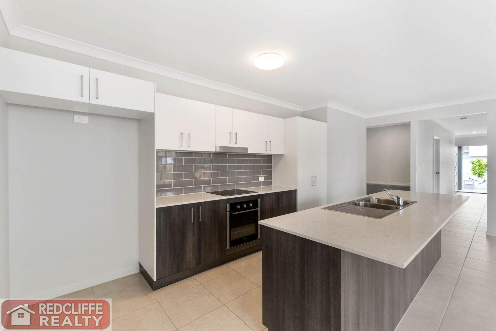 204 Spinnaker Boulevard, Newport QLD 4020, Image 2