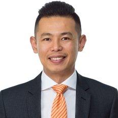 Alan Chan, Sales Associate