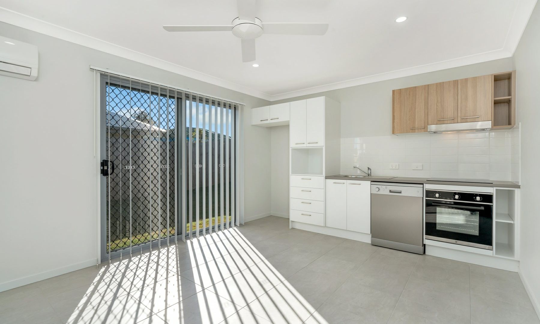 2/20 Sterling Road, Morayfield QLD 4506, Image 1