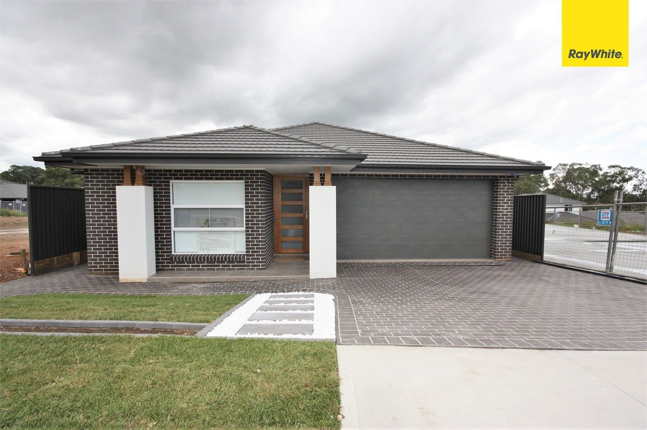 16 Crowley Blvd, Claymore NSW 2559, Image 0
