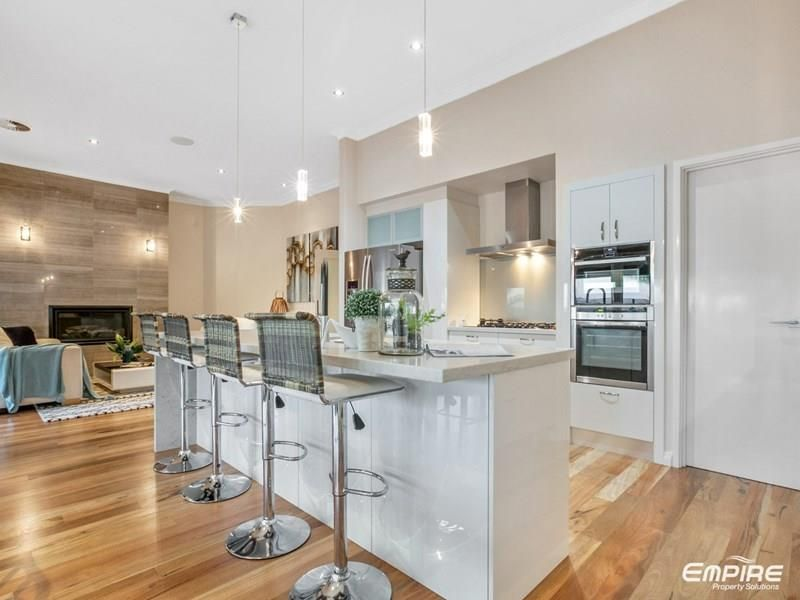 8 Colpoys Place, Coogee WA 6166, Image 2