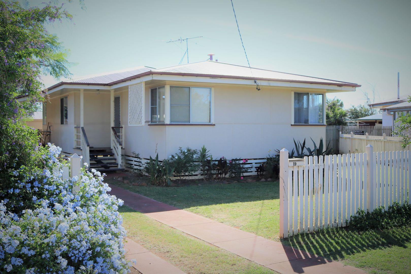 19 Delray Street, Oakey QLD 4401, Image 0