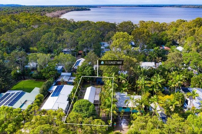 Picture of 15 Sunset Way, COOROIBAH QLD 4565