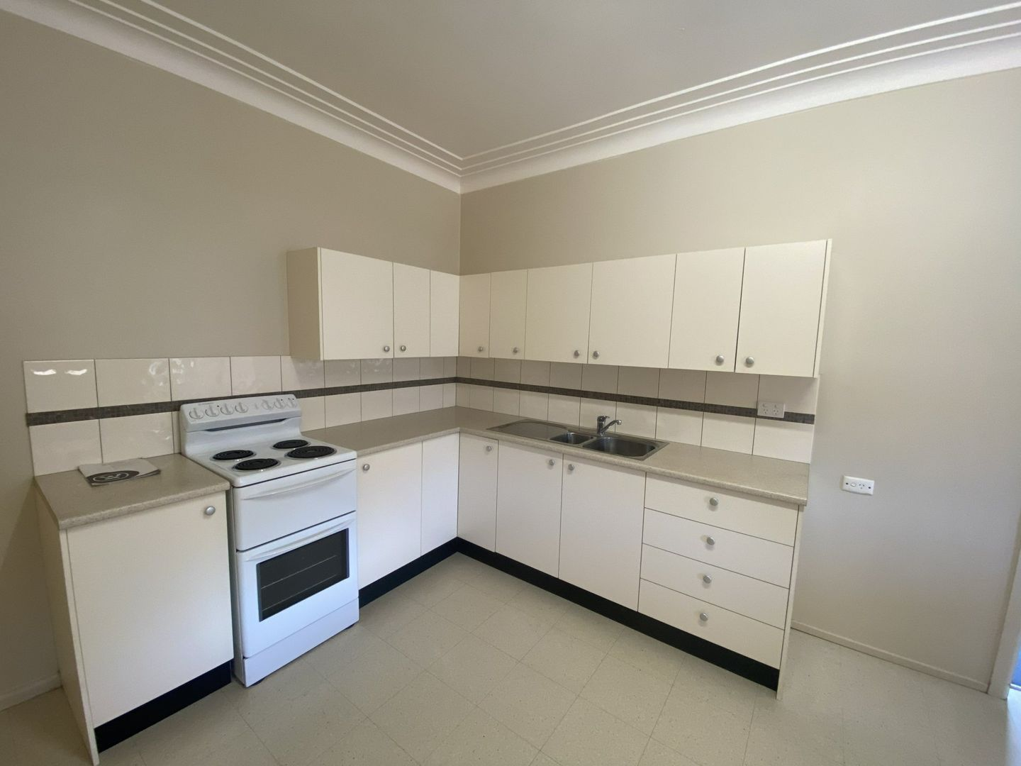 3/4 Torrens Avenue, The Entrance NSW 2261, Image 2