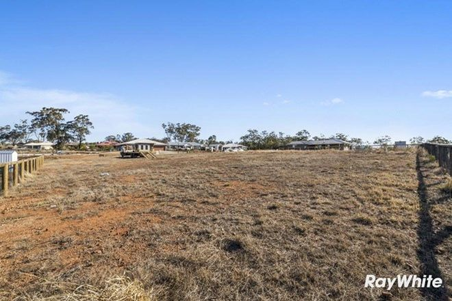 Picture of 3 Pipit Court, MERINGANDAN WEST QLD 4352