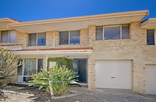 Picture of 2/17 Wheatcroft Street, Scarborough WA 6019