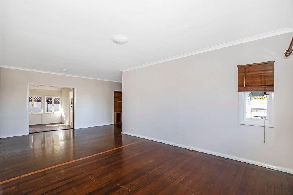 44 Rennie Street, Indooroopilly QLD 4068, Image 2