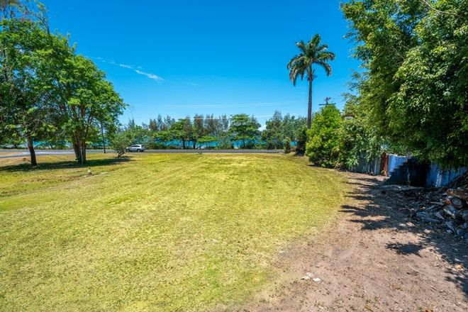 Picture of 1 Banfield Parade, WONGALING BEACH QLD 4852
