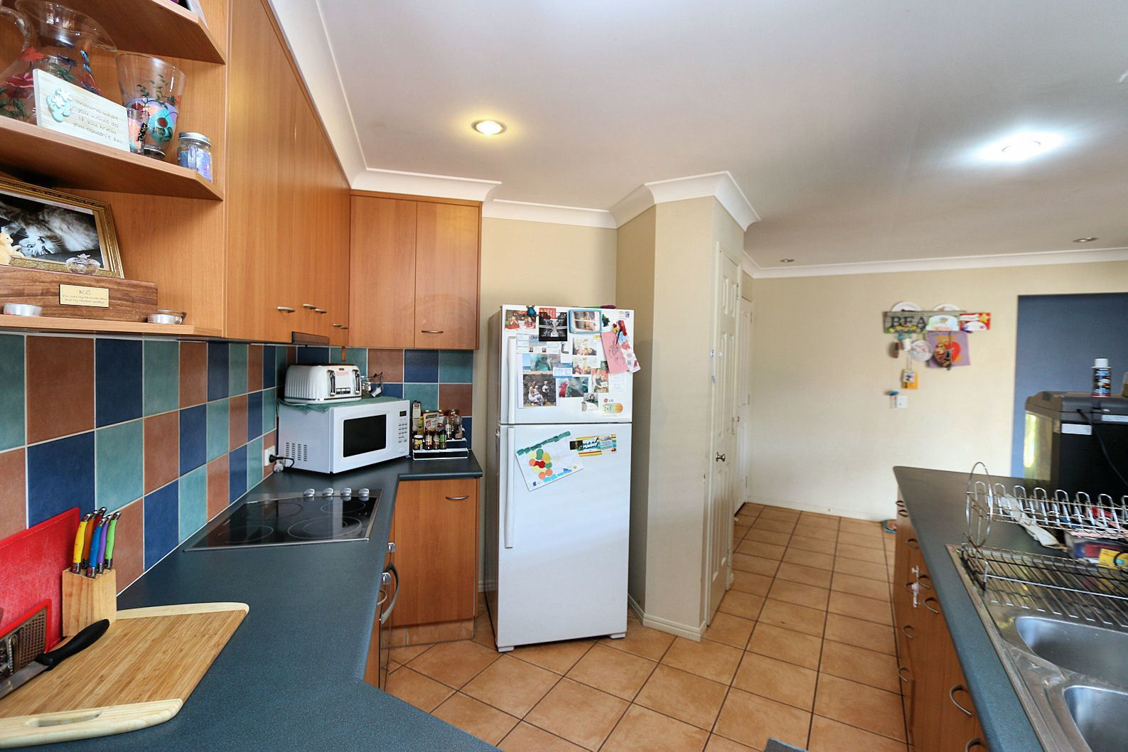 5 Toppers Dr, Coral Cove QLD 4670, Image 2