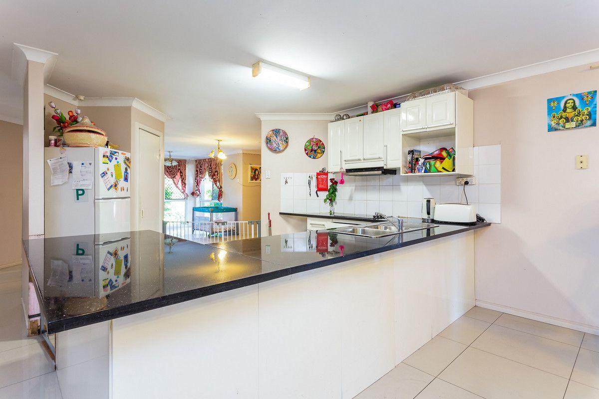43 Tinaroo Street, Durack QLD 4077, Image 2