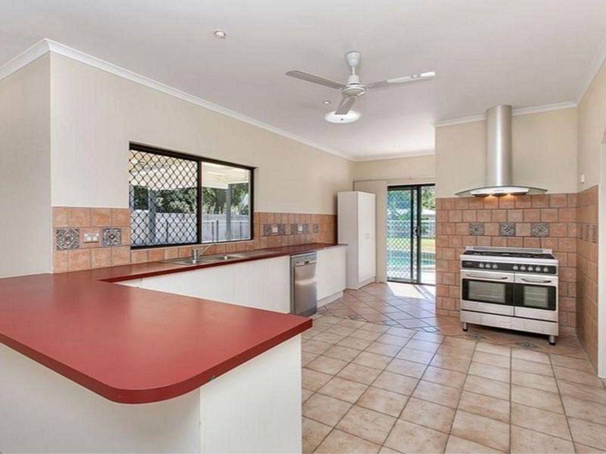 6 Scarborough Close, Kewarra Beach QLD 4879, Image 0
