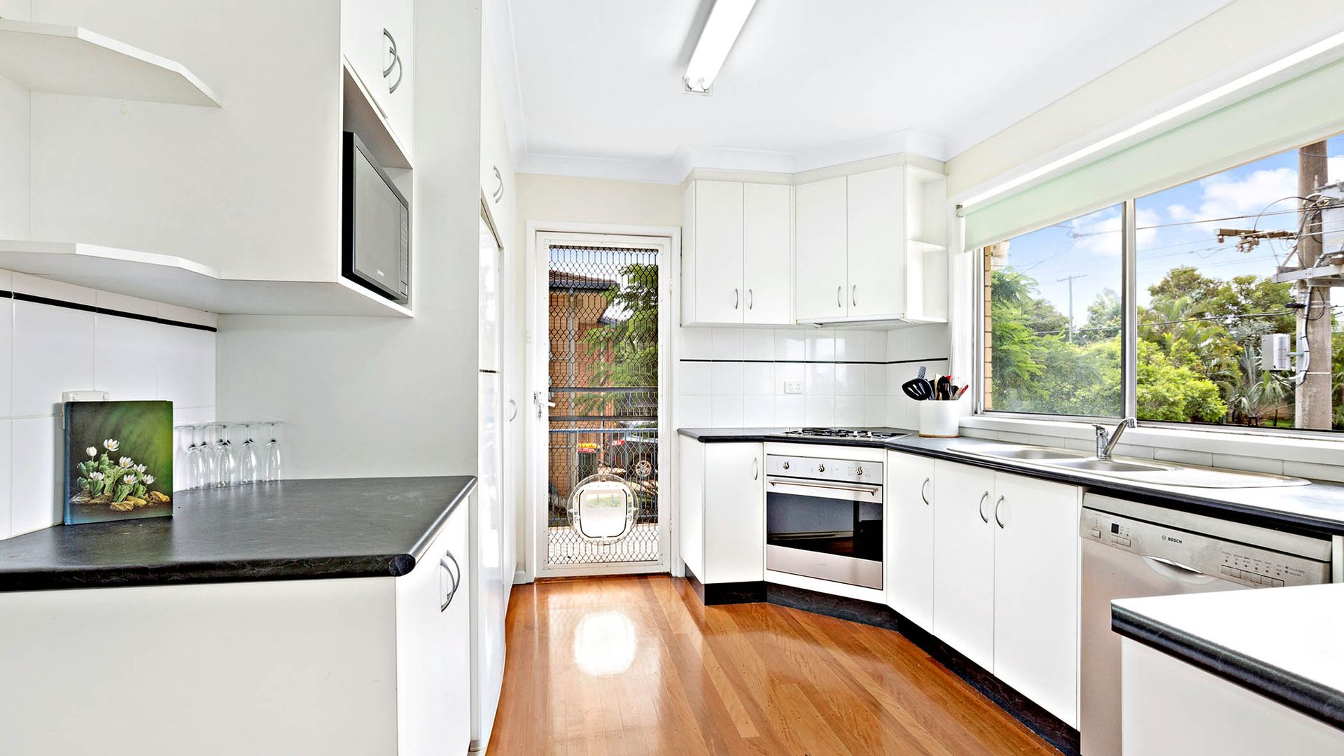 27 Salandra Street, Mansfield QLD 4122, Image 2