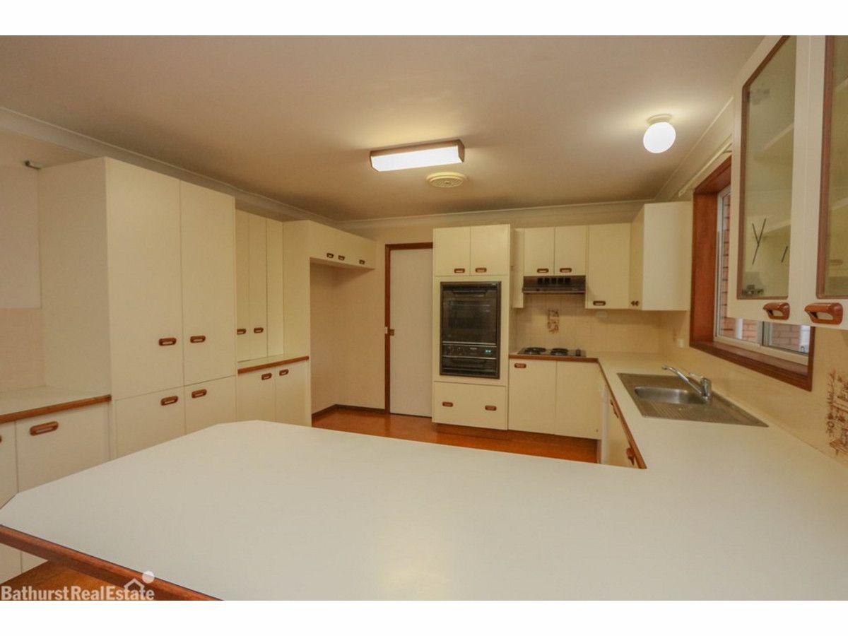 33 Camidge Close, Kelso NSW 2795, Image 1
