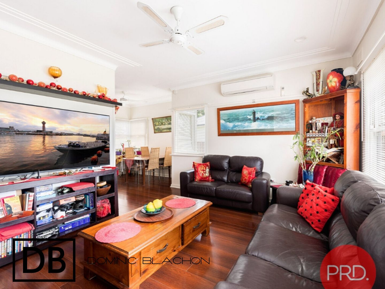29 Orana Crescent, Peakhurst Heights NSW 2210, Image 2