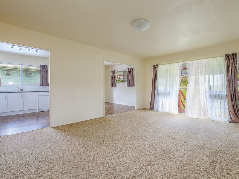 16 Barton Road, Victory Heights QLD 4570, Image 2