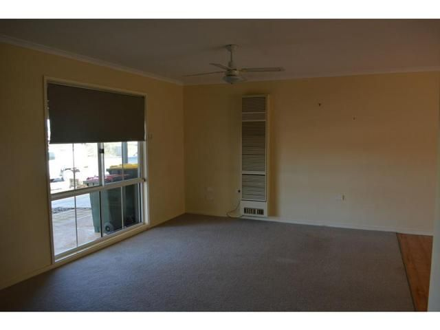 17 Aquila Blv, Roxby Downs SA 5725, Image 2