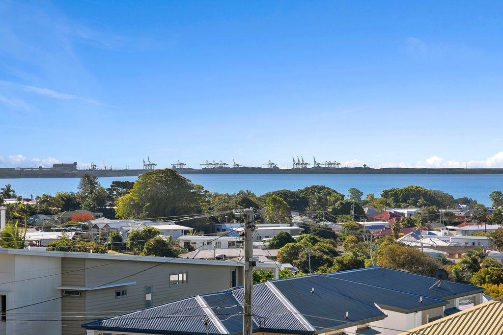 11 Wellington Street, Manly QLD 4179, Image 2