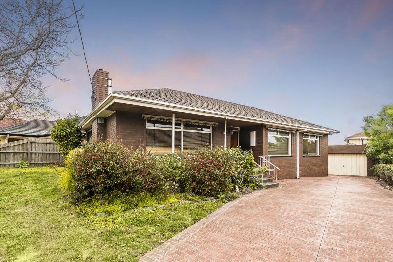18 Cooper Avenue, Glen Waverley VIC 3150, Image 2