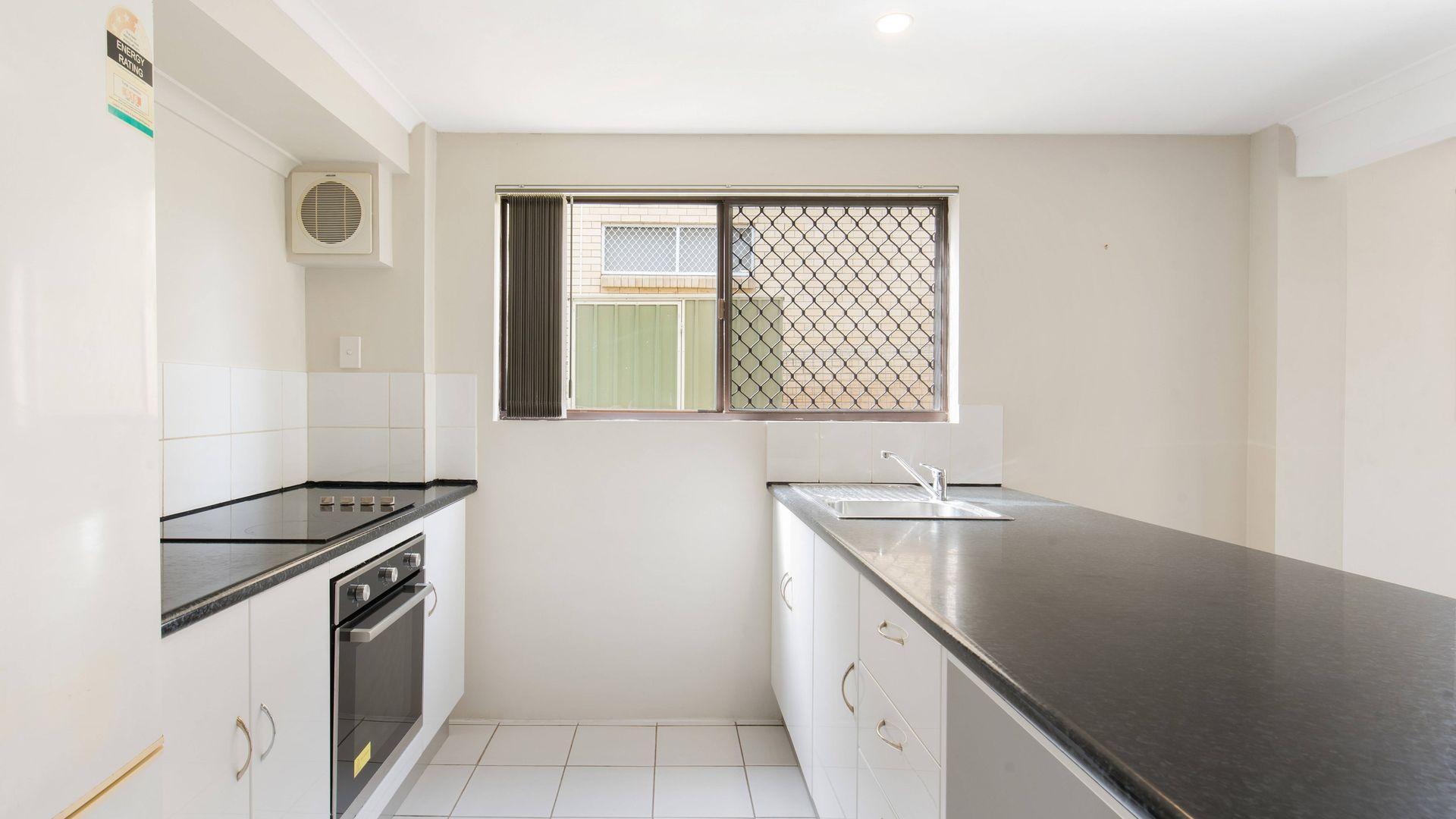 33 Lomatia Street, Everton Hills QLD 4053, Image 1