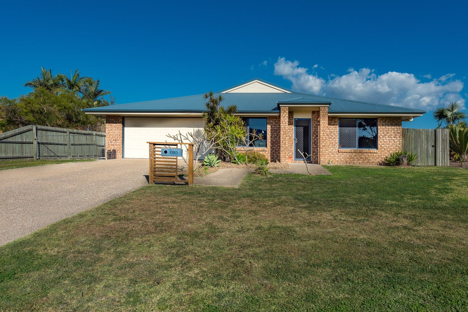 how to get into real estate qld