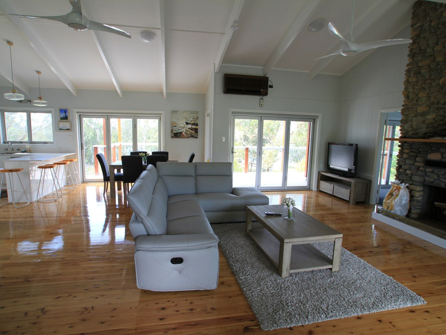 68 River Road, Sussex Inlet NSW 2540, Image 2