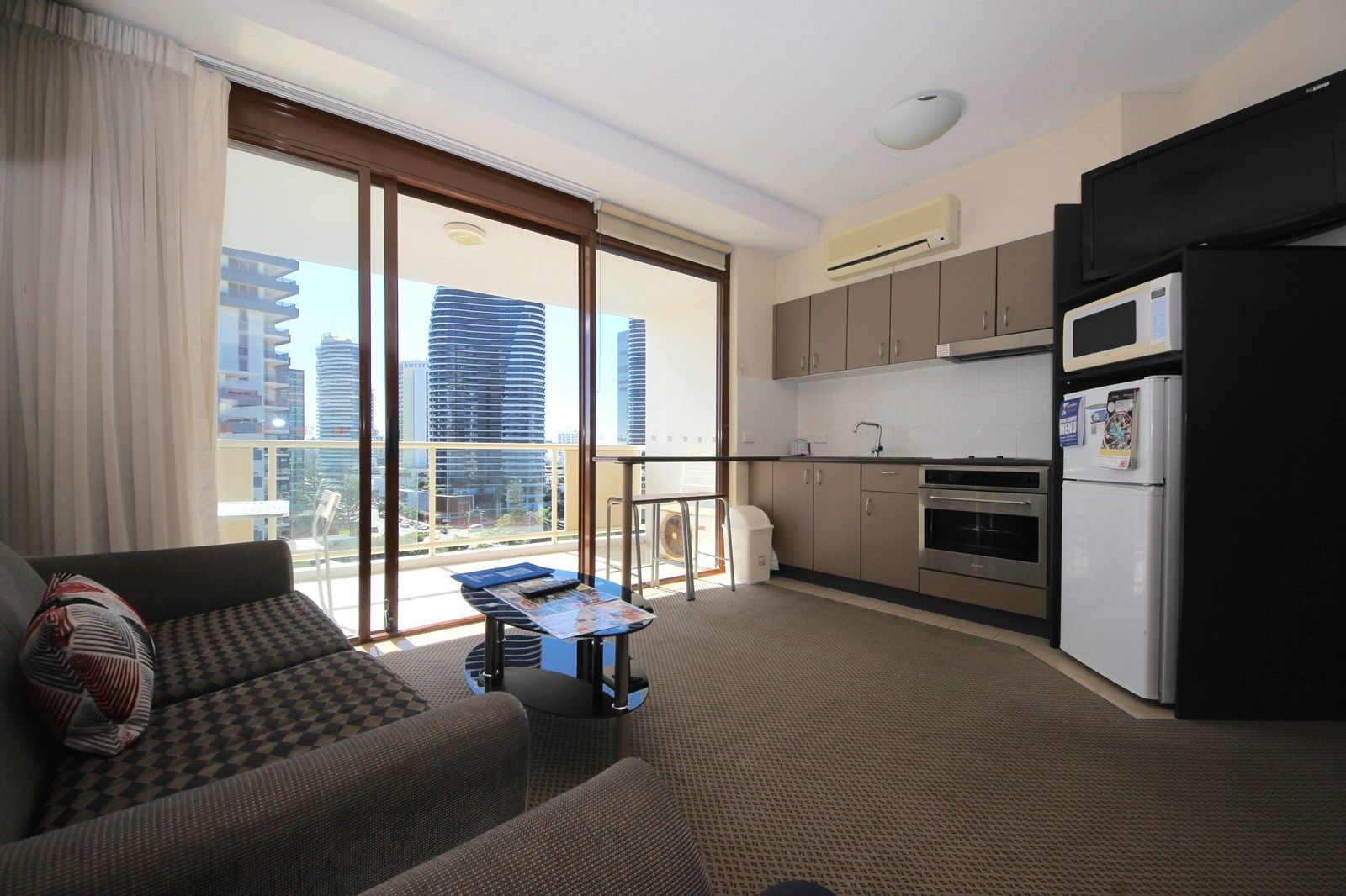 10/42 Surf Parade, Broadbeach QLD 4218, Image 2