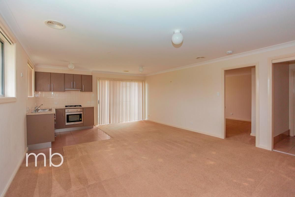 7 Stewart Close, Orange NSW 2800, Image 2