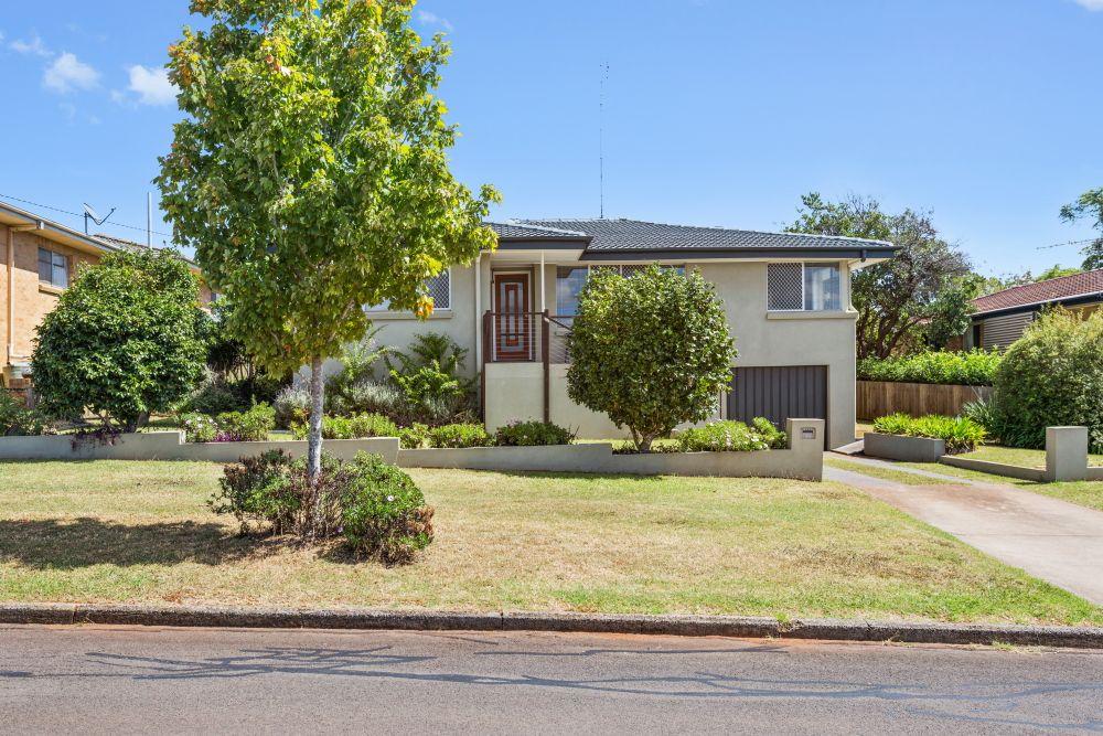 11 Skehan Street, Centenary Heights QLD 4350, Image 0
