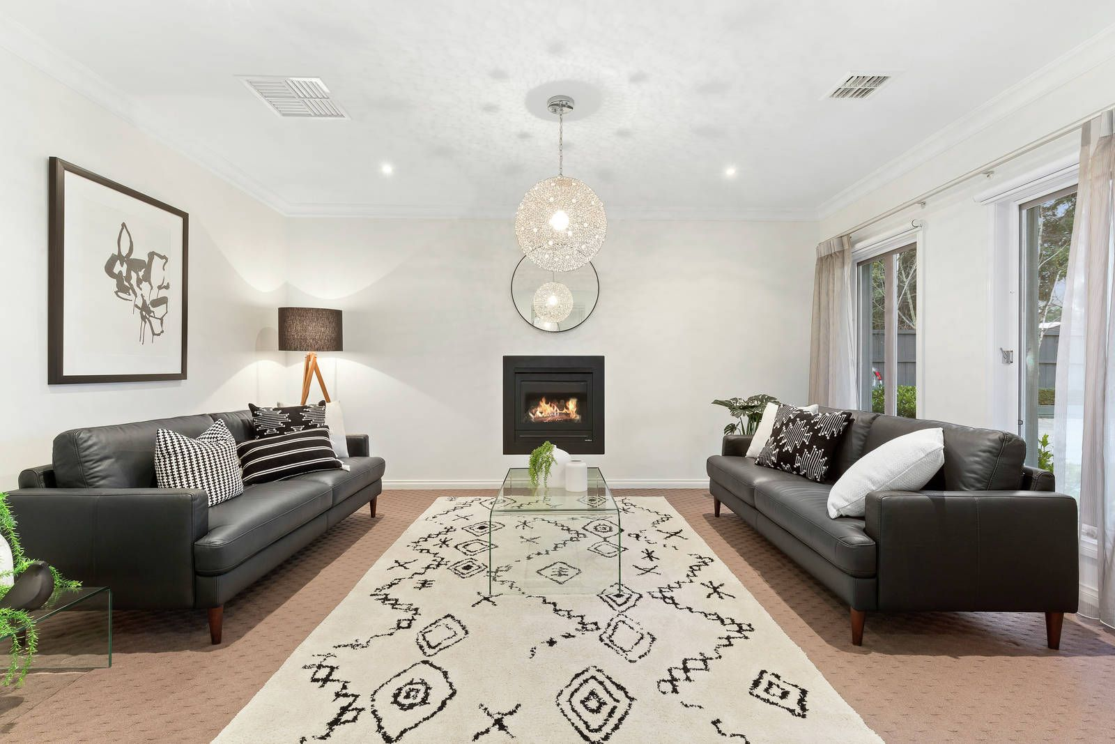 8 Haslemere Road, Mitcham VIC 3132, Image 2