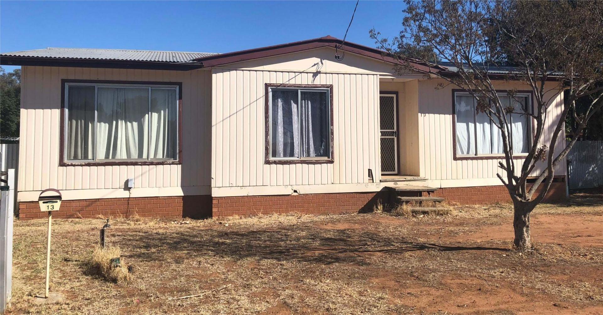 13 Oxley Street, Nyngan NSW 2825, Image 0