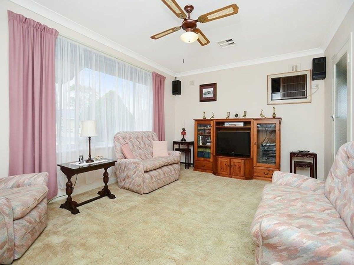 17 Robin Street, Port Noarlunga South SA 5167, Image 1