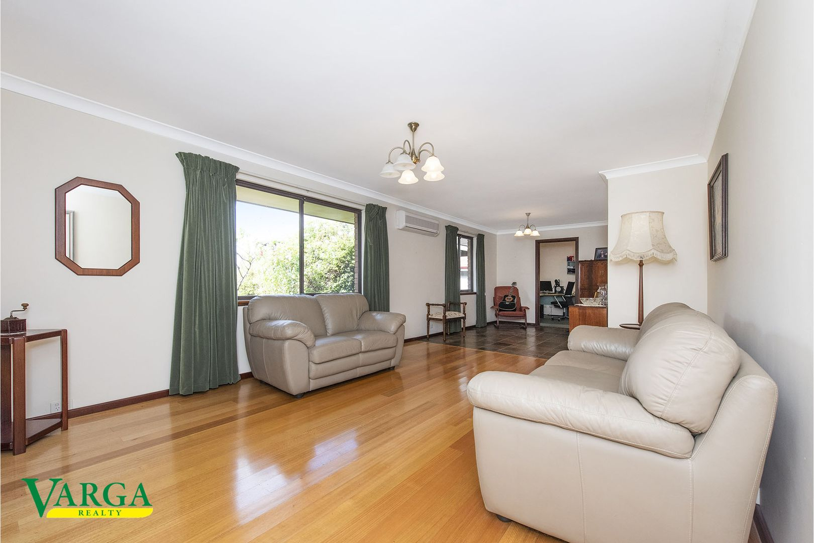 8 Bicheno Way, Willetton WA 6155, Image 2