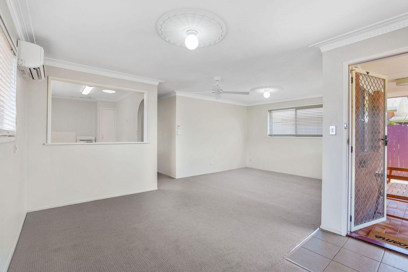211 Dart Street, Redland Bay QLD 4165, Image 2