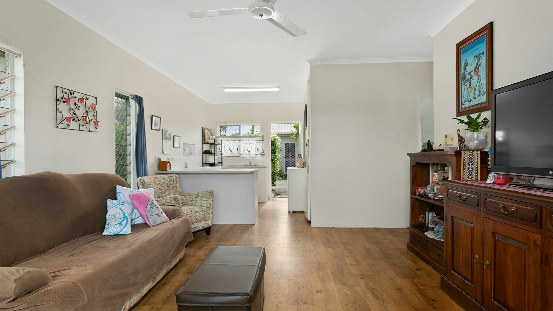 10/401-409 McCoombe Street, Mooroobool QLD 4870, Image 1