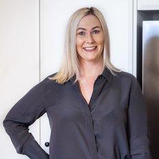 Jess Hansen, Sales representative