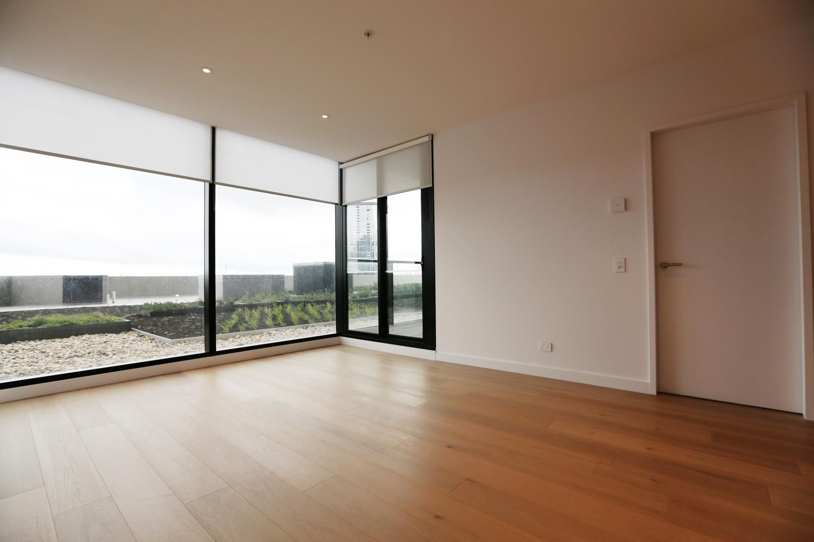 513/915 Collins Street, Docklands VIC 3008, Image 2