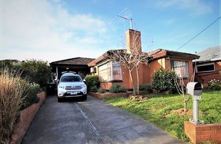 Picture of 27 Sunhill Crescent, Ardeer VIC 3022