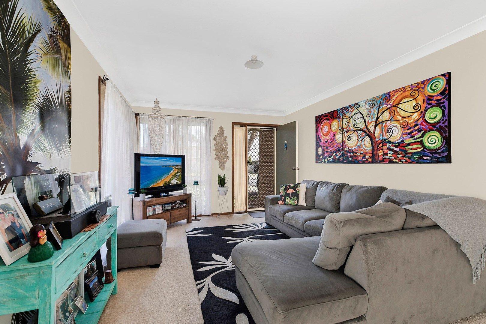 1/4 Joan Street, Forresters Beach NSW 2260, Image 2